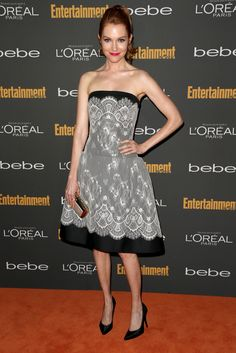 Darby Stanchfield - 2013- outfit