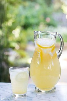 Lovely simple lemonade recipe starting with a simple syrup and fresh lemon juice. Perfect for a hot day!