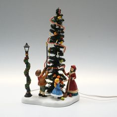 Village Square Town Tree, Special Edition, Lighted!. Heritage Village Collection. AC/DC Adapter Included. Heritage Village Collection. #HeritageVillage #ChristmasTree #wax #value #murano #wealth #ceramiic #kokova #antique #glass Amber Color, Ac Dc, Antique Glass, Pencil Drawings, Wax, Christmas Tree, Hand Painted, Antiques, Edinburgh