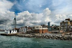There are plenty of great things to do around Portsmouth that'll leave a dent in the wallet, but sometimes you want to enjoy yourself without splashing the cash. We're here to help, offering suggestions for just 15 things that. Portsmouth, Cities In Europe, Free Things To Do, Hampshire, United Kingdom, New York Skyline, Earth, London, Villa