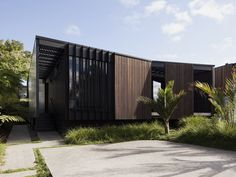 Modern Steel-Framed Home With Extensive Views Over Auckland New Zealand Architecture, Interior Architecture, Residential Architecture, Steel Frame House, Metal Cladding, Internal Courtyard, Space Invaders, Shed Homes, Auckland
