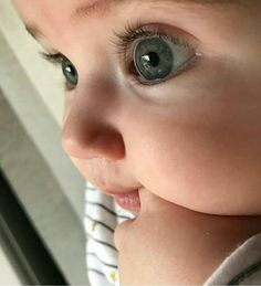 That face! Those cheeks! Those eyes!!