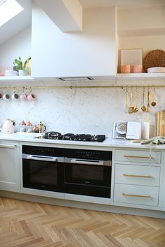 Renovation Complete: The Reveal of Our Green Pink and Gold Kitchen - Swoon Worthy Gold Kitchen, Green Kitchen, Farmhouse Kitchen Decor, Kitchen Interior, Kitchen Dining, Pink Kitchen Cabinets, Kitchen Walls, Kitchen Appliances, Interior Modern