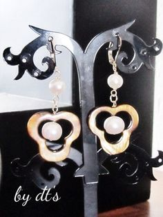 #simplypretty #gold #earrings with @motherofpearl and #pearl...(AG043)