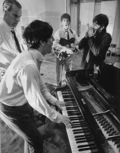 The Beatles with George Martin Abbey Road studio by NormanParkinson Beatles Band, Beatles Love, Les Beatles, Beatles Photos, Ringo Starr, George Harrison, Paul Mccartney, John Lennon, Liverpool