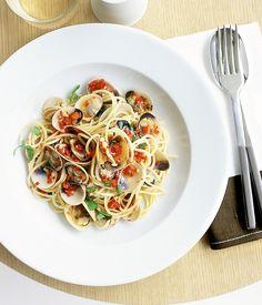 Spaghetti vongole recipe  - Gourmet Traveller