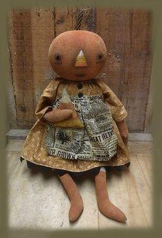 Pumpkin doll by Sweet Meadows Farm! Primitive Halloween Decor, Primitive Autumn, Primitive Pumpkin, Rustic Halloween, Halloween Doll, Primitive Crafts, Primitive Christmas, Fall Halloween, Halloween Crafts