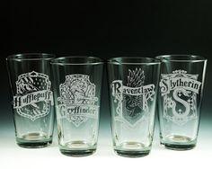 Harry Potter, cristalería, grabado al agua fuerte cristal, Gryffindor, Slytherin, Hufflepuff, Ravenclaw, Pint Glasses, cristalería, pinta de cerveza, vasos
