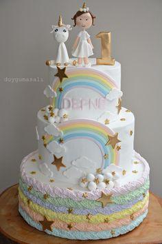 DEFNE 1 Yaşında! 🌈🌟🦄 duygumasali.com #edirne #edirnepasta #edirnebutikpasta #sekerhamuru #butikpasta #unicorn #unicorncake #1yaş #1yaşdoğumgünü #gökkuşağı #rainbowcake #rainbow #happybirthday #birthdaycake #doğumgünüpastası #tekboynuzluat #handmade #homemade #cakestagram #instacake #duygumasali  #stars #gumpaste
