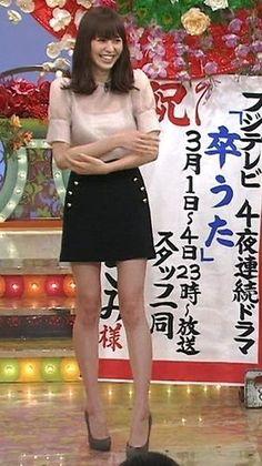 【hshsしたい!】石原さとみちゃん&長澤まさみちゃんのミニスカ美脚画像 - NAVER まとめ