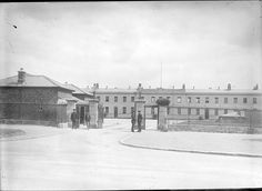 Garda Headquarters in the Phoenix Park - This photo was taken some time in 1920 in Kilmainham, Dublin (Ireland) Old Pictures, Old Photos, Gone Days, Photo Engraving, Dublin Ireland, Defence Force, Military, Island, Explore