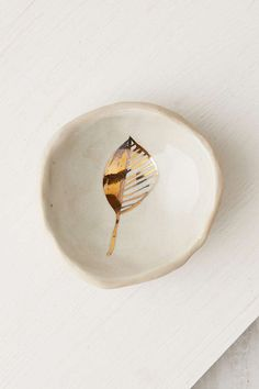 Pickle Pottery Leaf Catch-All Dish - Urban Outfitters