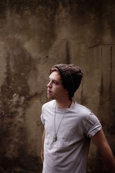 Acoustic troubadour Benjamin Francis Leftwich enchants iTunes Festival on 25 September. Lana Del Rey headlines.