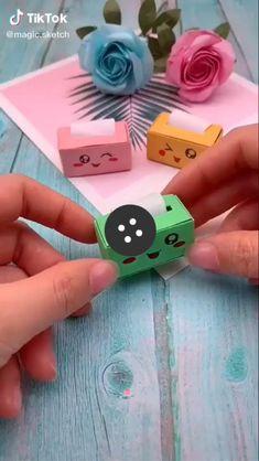 Cool Paper Crafts, Paper Crafts Origami, Cute Crafts, Creative Crafts, Kawaii Crafts, Cardboard Crafts, Origami Paper, Diy Paper, Easy Crafts