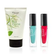 Classic with a Twist Maven Quiz Results... yup red and aquaish with a pedi creme... they totally nailed me.