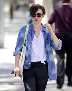 Pin by Alicia Hipolito on Pixie styles in 2019 Lily Collins Hair, Lily Collins Style, Pixie Styles, Short Hair Styles, Gamine Style, Soft Gamine, Pixie Hairstyles, Haircuts, Got The Look