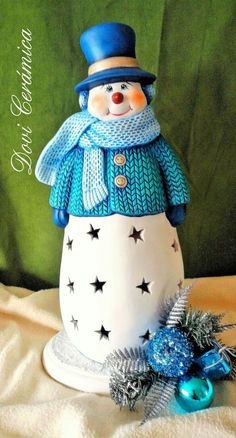 Ceramics Projects, Clay Projects, Christmas Figurines, Christmas Snowman, Pottery Painting, Ceramic Painting, Christmas Crafts, Christmas Decorations, Polymer Clay Christmas