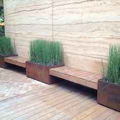 Modern simple plant boxes and seating Modern Landscaping, Outdoor Landscaping, Outdoor Gardens, Outdoor Decor, Houses In Austin, Plant Box, Landscape Elements, Backyard Paradise, Modern Garden Design