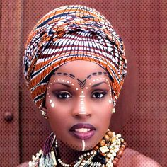 Make up ethnique African Makeup, African Beauty, Natural Wedding Makeup, Wedding Makeup Looks, African Inspired Fashion, African Fashion, African Face Paint, Afrika Tattoos, Tribal Face Paints