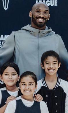Kobe Bryant Family, Kobe Bryant Nba, Cute Family, Family Guy, Kobe Bryant Daughters, Kobe Bryant Pictures, Carolina Panthers Football, Vanessa Bryant, Kobe Bryant Black Mamba
