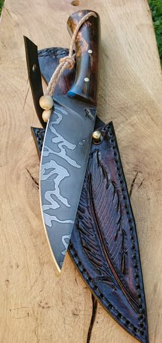 Custon handmade Peremský knife–don't care so much for the knife but the case is really cool