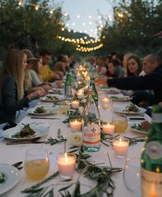 Early autumn dinners under the stars are a-ok in my book. Add my husband, friends, kind strangers, ginger lemonade, twinkle lights and the beautiful folks at @gathre (leather mats formerly known as Let's Playground) and you have pure fall magic. #gathreround | @jessiealexise