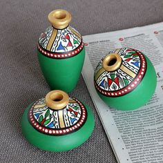 Maati Designs Earthen Miniature Pots Green Set of Three Pieces,Décor