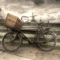 De Bakkersfiets by Lars van de Goor. (The Backer's Bike made by Lars van de Goor)