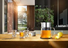 Making a delicious, full-bodied cup of tea has never been easier thanks to the Blomus Tea Jane Teamaker , which creates a tea concentrate in. Coffee And Tea Accessories, Tea Cups, Coffee Maker, Home And Garden, Kitchen Appliances, Modern, Zara, Products, Silver