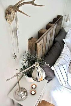 i like this for the pallette headboard.Free and rustic. Lovi'n it.