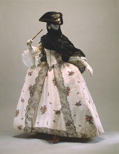 Robe à l'anglaise: ca. 1765-1770, British, silk, metallic.
