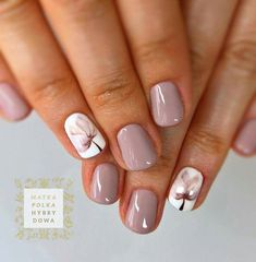 Nail art is a very popular trend these days and every woman you meet seems to have beautiful nails. It used to be that women would just go get a manicure or pedicure to get their nails trimmed and shaped with just a few coats of plain nail polish. Spring Nail Art, Spring Nails, Autumn Nails, Super Nails, Flower Nails, Creative Nails, Nail Polish Colors, Shellac Colors, Gel Polish