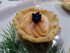 Ricetta Antipasto : Tartellette brisée all'aneto con mousse di salmone da Crismiao