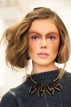 rodarte the messy faux bob is all over NYFW Frida Gustavsson, Bob Fosse, Beauty Makeup, Hair Makeup, Hair Beauty, Runway Makeup, Pink Makeup, Eye Makeup, Faux Bob