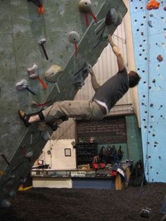 indoor rock climbing Vertical Extreme Downingtown, PA