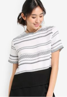 Printed Boxy Top from Something Borrowed in white_1