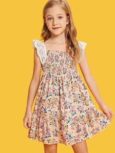 Shop Girls Shirred Panel Ruffle Hem Floral Dress with Lace Strap online. SHEIN offers Girls Shirred Panel Ruffle Hem Floral Dress with Lace Strap & more to fit your fashionable needs. The Dress, Baby Dress, Coatdress, Floral Lace Dress, Girls Dresses, Summer Dresses, Fashion Kids, Dress Patterns, Frocks