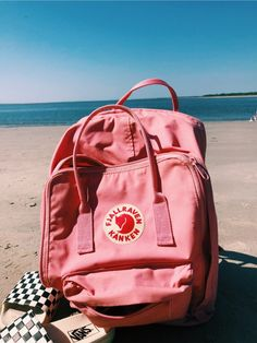 See more of clairealexanderrr's content on VSCO. Mochila Kanken, Mochila Grunge, Pink Kanken, Scrunchies, Nike Sportwear, Aesthetic Backpack, Vsco Pictures, Happy Vibes, Summer Aesthetic