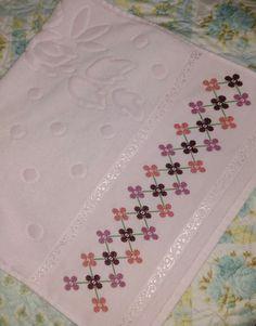 Cross Stitch Borders, Cross Stitch Patterns, Hand Embroidery Design Patterns, Bargello, Baby Knitting Patterns, Cross Stitch Embroidery, Diy And Crafts, Hand Stitching, Mermaid Birthday