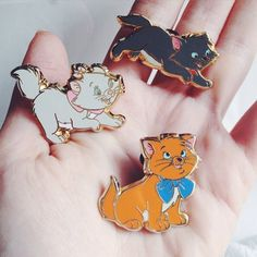 Some of my favorite #disneypins : aristocats - they look so alive ❤️
