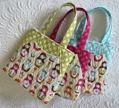 Geta's Quilting Studio: Mini tote bags #rileyblakedesigns #matryoshka #nestingdoll #russian