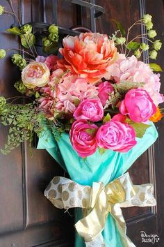 easy diy spring door decor, Paint an old umbrella for a pretty spring floral arrangement on your front door. Home Crafts, Fun Crafts, Diy Home Decor, Decor Crafts, Umbrella Wreath, Spring Door, How To Make Wreaths, Craft Projects, Outdoor Projects
