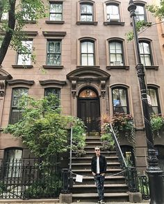 Carrie Bradshaws Front Steps Perry St by @scottlipps #newyorkcityfeelings #nyc #newyork