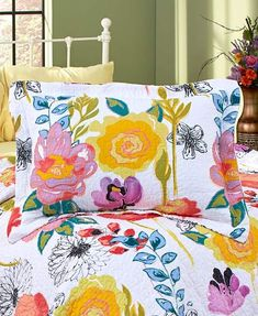 Tropical Bedrooms, Bohemian Bedrooms, Watercolor Quilt, Floral Watercolor, Bed Cover Design, Bedding Sets, Duvet, Futon Bed, Bed Sets