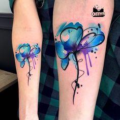 Watercolor abstract tattoo with minimalistic flower by Monika Ochman Tattoo. Cute Tattoos Quotes, Cute Girl Tattoos, Cute Tattoos For Women, Little Tattoos, Tattoos For Guys, S Tattoo, Tattoo Life, Body Art Tattoos, Sleeve Tattoos