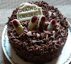 If the grim reaper is knocking, death by chocolate is the way to go. Skip the candy and have this delicious Halloween dessert, Death by Chocolate cake. Bolo Halloween, Halloween Sweets, Halloween Chocolate, Halloween Food For Party, Halloween Cupcakes, Spooky Halloween, Spirit Halloween, Food Cakes, Cupcake Cakes