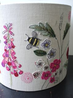 10 Positive ideas: Lamp Shades Industrial Rustic cool lamp shades home decor.Lamp Shades Kids Little Girls cool lamp shades wall colors. Freehand Machine Embroidery, Free Motion Embroidery, Free Machine Embroidery, Embroidery Applique, Embroidery Patterns, Home Beach, Sewing Crafts, Sewing Projects, Fabric Pictures