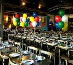 Table clusters of 6 Balloons Pearl gold and silver Balloon Saloon