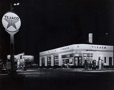 Chevron Gas, Car Supplies, Old Gas Pumps, Gas Service, American Auto, Old Gas Stations, Road Train, Motor Car, Motor Vehicle