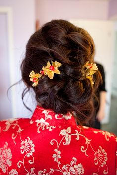 Asian makeup/hair:Traditional Chinese hair style for qipao by Sherry Hu (sherrybeauty.com)